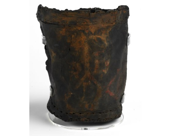 Fire bucket, 1660s Found on an archaeological site in Pudding Lane. It is painted with the date 1660 or 1666 and was probably lost during the Great Fire.  © Museum of London