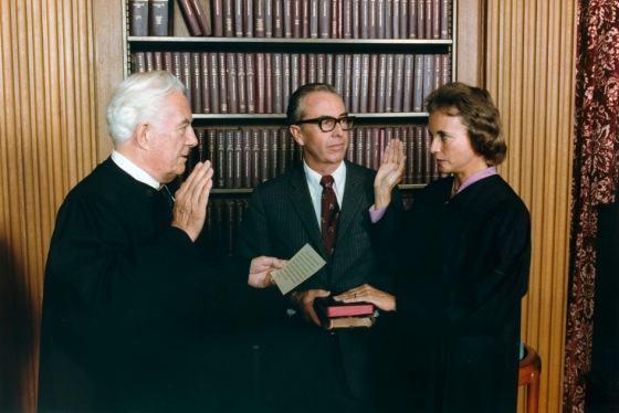 he U.S. National Archives - Photograph of Sandra Day O'Connor Being Sworn in a Supreme Court Justice by Chief Justice Warren Burger